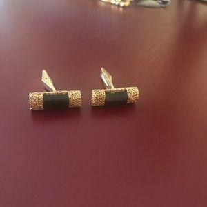 Vintage 14k gold onyx cuff links